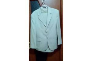 Стильный фирменный свадебный костюм и туфли