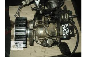 б/в Паливні насоси високого тиску / трубки / шестерні Isuzu Trooper