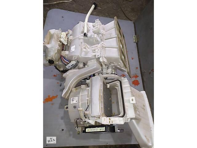продам Toyota Highlander корпус печки и кондиционера в сборе и моторчик печки бу в Ровно