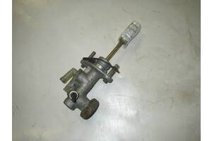 Цилиндр сцепления главный Mitsubishi Grandis 2004-2010 MR995279 (14945)