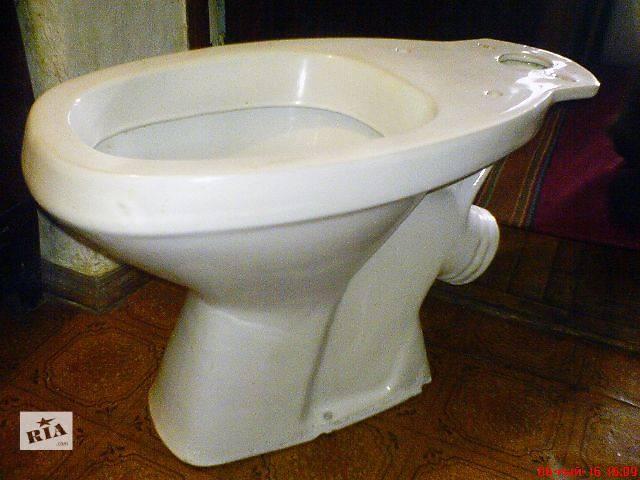 Унитаз 63х33 см напольный, белый, керамика. Б/у, состояние отличное.- объявление о продаже  в Киеве