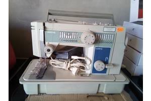 б/в Швейні машинки електричні Veritas