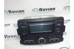 б/в Радіо і аудіообладнання / динаміки Renault Sandero