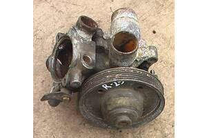 Б/у помпа/водяной насос для Renault 25