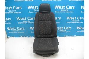 Б/У Сидіння переднє ліве водійське Vito 2003 - 2013 A6399105901. Вперед за покупками!