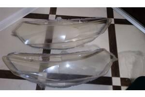 Продам стекло фары оригинал на Accord 8