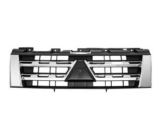 Решетка радиатора Mitsubishi Pajero 4 '12-14 хром-черная (FPS)- объявление о продаже  в Киеве