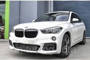 Решетка радиатора BMW X1 F48 ноздри M тюнинг (4 варианта)