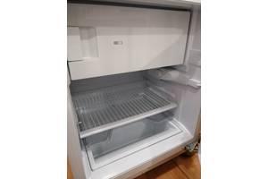 Вбудовані однокамерні холодильники Hotpoint Ariston