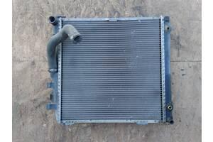 Вживаний радіатор для Mercedes 124 3.0 D/TD 2.5 D/TD 2.0 D/TD