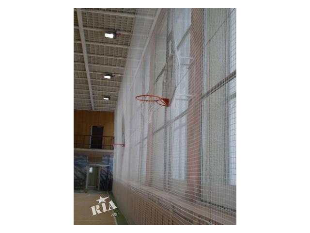 купить бу Заградительные сетки белые и цветные для спортзала в Киеве