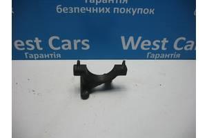 Б/У 2008 - 2011 Focus Кронштейн проміжного вала. Вперед за покупками!