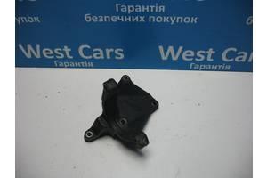 Б/У Кронштейн двигуна Grandis 2004 - 2010 . Вперед за покупками!
