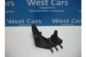 Б/У Кронштейн двигуна правий Grandis 2004 - 2010 . Вперед за покупками!