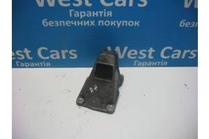 Б/У Кронштейн двигуна лівий A8 1994 - 2002 4D0199307A. Вперед за покупками!