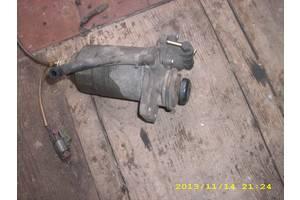 б/в Кронштейни паливних фільтрів Nissan Vanette