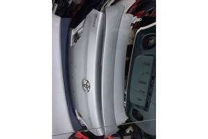 б/в кришки багажника Toyota Avalon