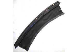 Б/У Пластик под лобовое стекло низ центр RENAULT SCENIC III 09-17