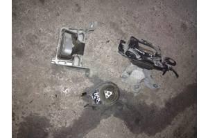 б/у Подушки мотора Mazda 3