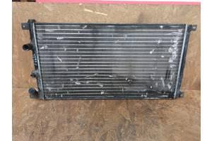 Б/у радиатор для Opel Arena (97-01)