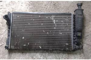 Б/у радиатор для Peugeot 405 1.9k 87-92