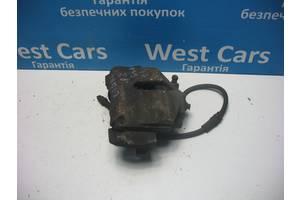 Б/В Супорт передній правий Caddy 2004 - 2010 1K0615124E. Вперед за покупками!