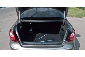 б/у Уплотнители крышки багажника Volkswagen Passat CC