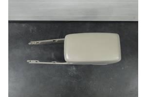 Б/у подлокотник/підлокотник/центральная консоль Toyota Solara 04-09p. 58910AA030A0 / 58905AA020A0