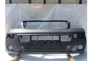 Бампер передний на Volkswagen Transporter T5