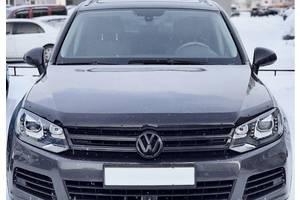 Дефлектор капота SIM Volkswagen Touareg 2 2010-2018 тёмный (мухобойка) SVOTOU 1012