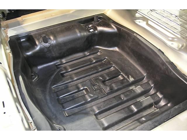 купить бу Днище багажника для Volkswagen Passat B6 в Києві