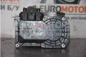 Дроссельная заслонка электр Toyota Yaris 1.33 16V 2006-2011 2203047010