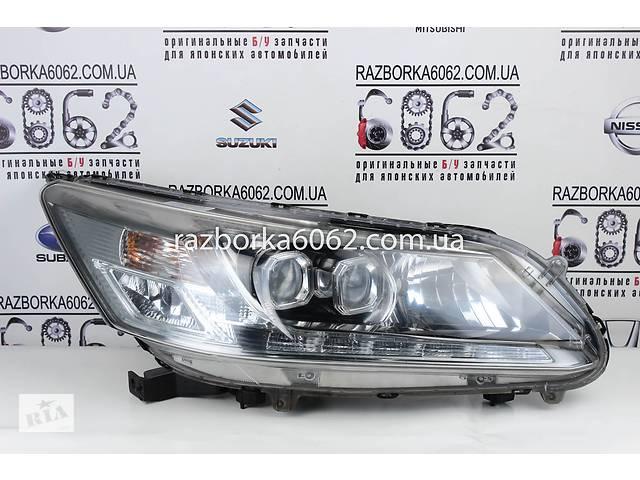 купить бу Фара правая ксенон Honda Accord (CR) 13-18 (Хонда Аккорд ЦР)  33100T2AY61 в Киеве