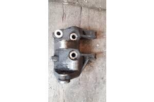 Кронштейн генератора двигатель шестнадцатиклапанный для ВАЗ 2111