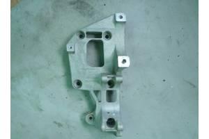 Кронштейн генератора и компрессора кондиционера Skods Octavia A5 04-13, Audi, Seat, VW
