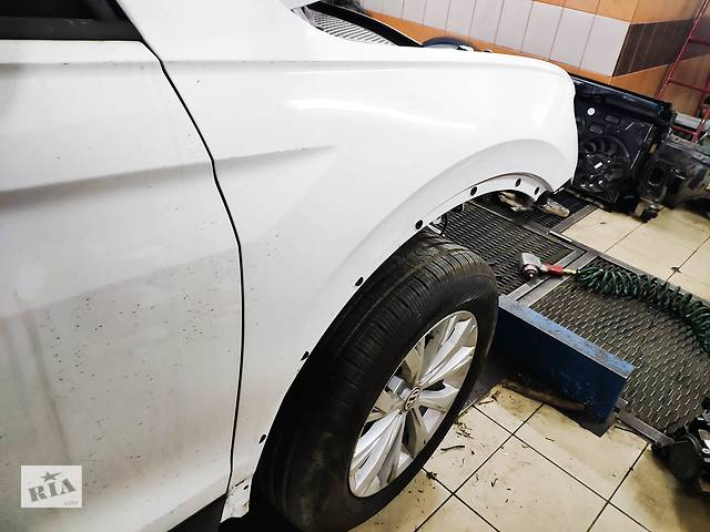 Крылья volkswagen Tiguan USA- объявление о продаже  в Львове