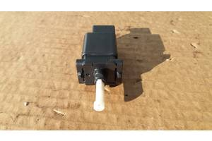 Мазда 6 2.0 D 02р датчик лягушка педали тормоза педалі тормоза GJ6E