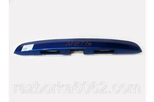 Накладка на крышку багажника Nissan Note (E11) 06-13 (Ниссан Нотэ Е11)  90810-9U01A