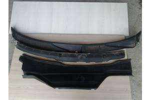 б/у Накладки стойки лобового стекла Audi A6