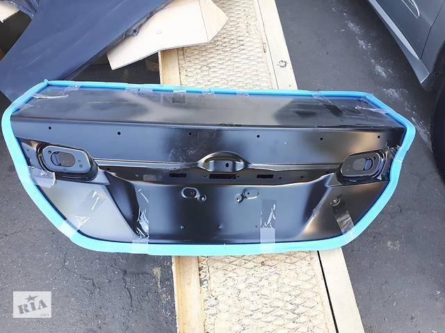 продам Новая крышка багажника для Toyota Camry 50 55 usa бу в Одессе