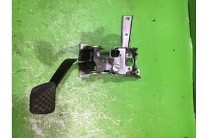 Педаль зчеплення honda cr-v 2.2d
