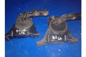 б/у Подушки мотора Mazda 323
