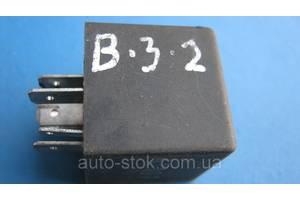 Реле стеклоочистителя Volkswagen Passat B3