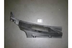 б/у Пластик под лобовое стекло Fiat Doblo