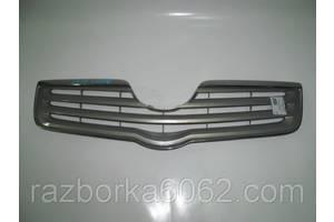 Решётки радиатора Toyota Avensis
