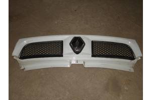 Решётки радиатора Renault Trafic