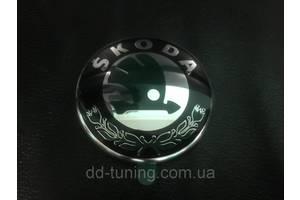 эмблема передняя 1uo853621c 80мм для skoda