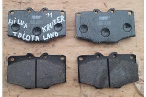 Тормозные колодки комплект/накладки для Toyota Hilux  83-06 г