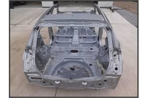 б/в чверті автомобіля Toyota Auris