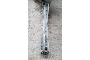 Підсилювач лонжерона ліва для toyota rav-4 05-12